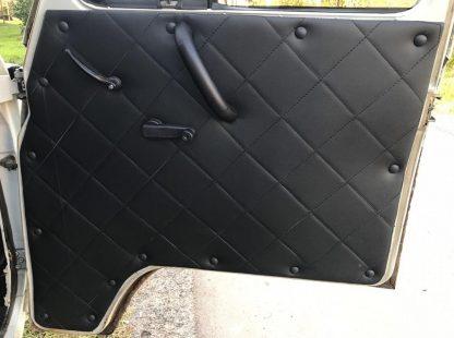 Обивка передних дверей УАЗ-452 (ДВП, винилкожа, поролон, ватин, стеганый ромб)111