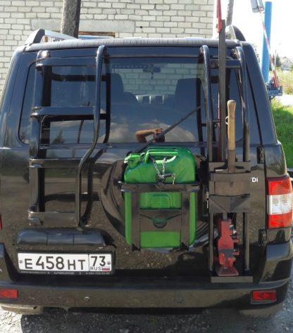 Кронштейн-держатель реечного домкрата и лопаты Патриот (овал 50х25, замок в комплекте)78