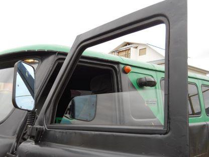 Стекла двери кабины на УАЗ 452 Буханка сплошное (цельное) с электро стеклоподъемником.