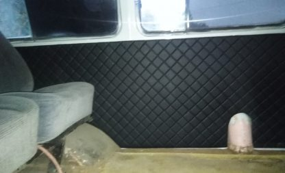 Обивка панели салона (над горловиной ббака, левая) УАЗ 452, мягкая (ДВП, винилкожа, поролон, ватин)111