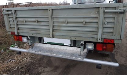 Защита-ограничитель задняя, одинарная на УАЗ Профи, с резиновыми отбойниками, с алюм. площадкой.2