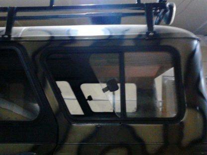 Окно раздвижное багажного отсека УАЗ 469, Хантер (ЛЕВОЕ)1